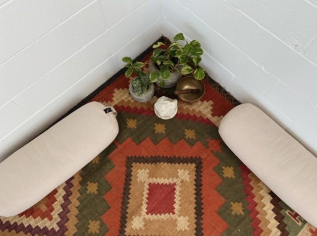 knotted kilim handwoven rug